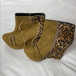 Fahrenheit Wedge Ankle Boots 7.5